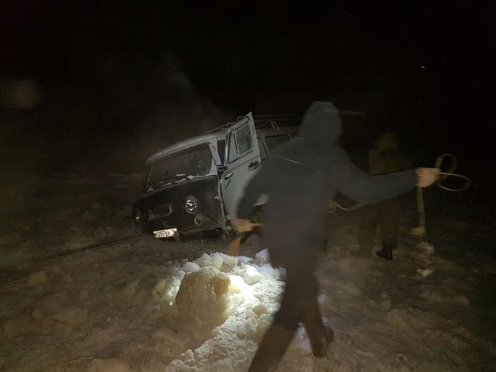 QsWyuI7u В Якутии микроавтобус УАЗ провалился под лед