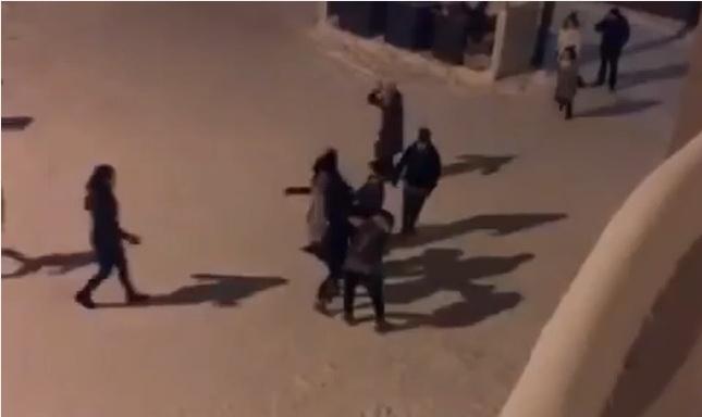 ytgUJr9s В Якутске девушки устроили массовую драку