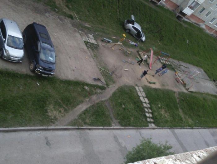 8n3vcJWG Фотофакт: В Нерюнгри прохожие избили пьяного водителя