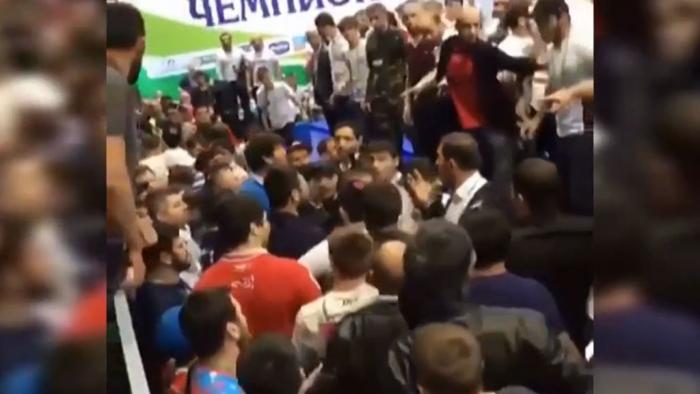 VcXlIEo7 На чемпионате России по вольной борьбе произошла потасовка