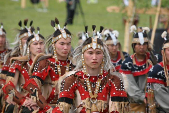YWM3S3SW Говорите по-якутски: Лучше ломаный, но не родной?