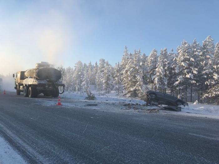 iHpf7WUq В Якутии произошло смертельное ДТП с участием такси «Индрайвер»: новые подробности