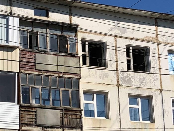 lrt4O50y «Замечательный» сосед: Жильцы дома в Якутске живут как на пороховой бочке