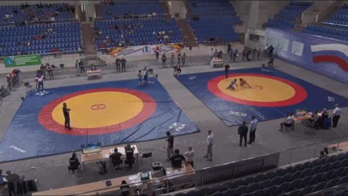 2Xwd8p1S Вольная борьба: Якутские студенты выиграли две путевки на чемпионат мира