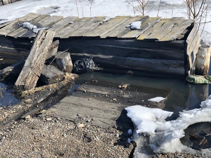 6gQdIpg6 В Якутии некогда процветавший поселок тонет в фекальных водах