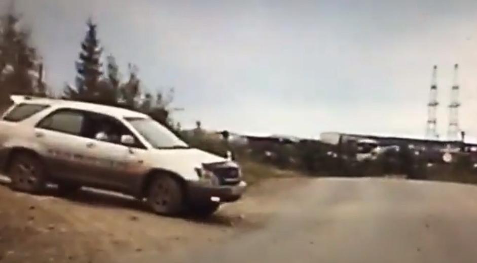 В Мирный сотрудники ДПС во время погони открыли огонь