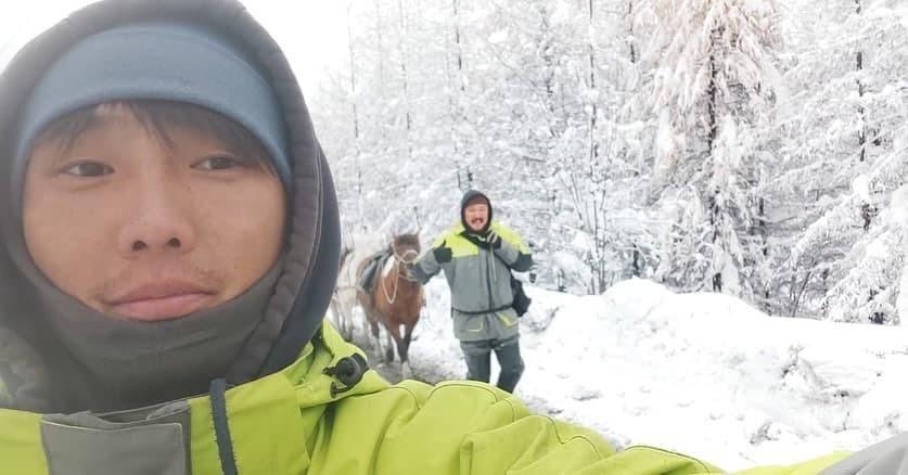 Коневоды из Оймякона по пути в Берлин прибыли на якутских лошадях в Иркутскую область